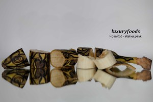 banana Lueftenegger RosaRot PinkBox art shoes contemporaryArt sculpture painting ornaments5839T